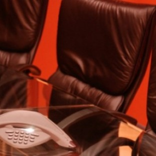 Top 3 things to avoid when making a conference call (Photo credit: Thinkstock)